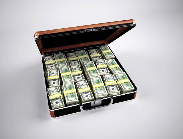 money 163502 640 Finanční gramotnost v ČR   jak jsme na tom?