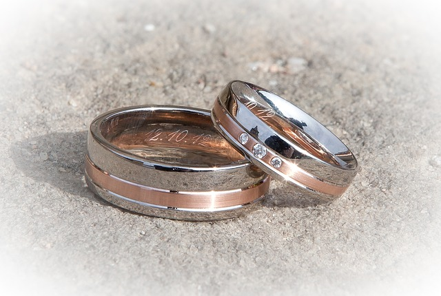 wedding-rings-260892_640