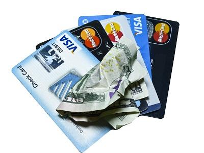 Kde vám půjčí peníze, i když nemáte vlastní bankovní účet?