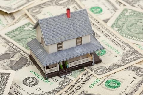 Jedním z mnoha rychlých nebankovních úvěrů, určených pro ty, kterým stačí jen menší částka na kratší dobu, je nová Švýcarská půjčka. Ta je nabízena v částkách od 1 000 Kč až do 20 000 Kč, pro nové klienty je ale maximum 5 000 Kč