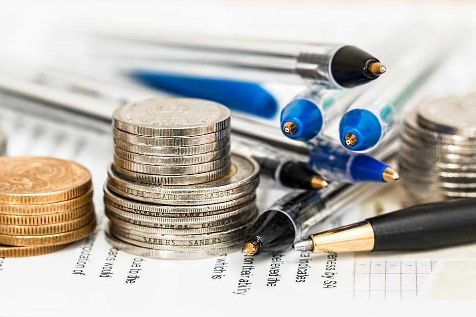 Zajímá vás Minutová půjčka. Žádost podaná prostřednictvím internetu je vyhodnocena do 3 minut a peníze klient získá na účet u Equa Bank po podpisu smlouvy na pobočce obratem. Zdarma je poskytnutí půjčky, vedení půjčky, mimořádné splátky, předčasné splacení a k půjčce je také založen běžný účet bez poplatků.